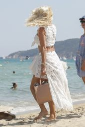 Victoria Silvstedt - Leaving Club 55 in Saint-Tropez 08/03/2020