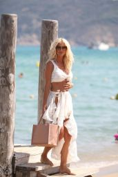 Victoria Silvstedt - Out in Saint-Tropez 08/04/2020
