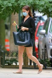 Anne Hathaway Leggy in Shorts - NYC 09/17/2020