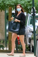 Anne Hathaway Leggy in Shorts - NYC 09/17/2020