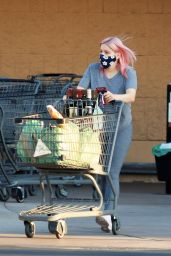 Ariel Winter - Grocery Shopping in Los Angeles 09/25/2020