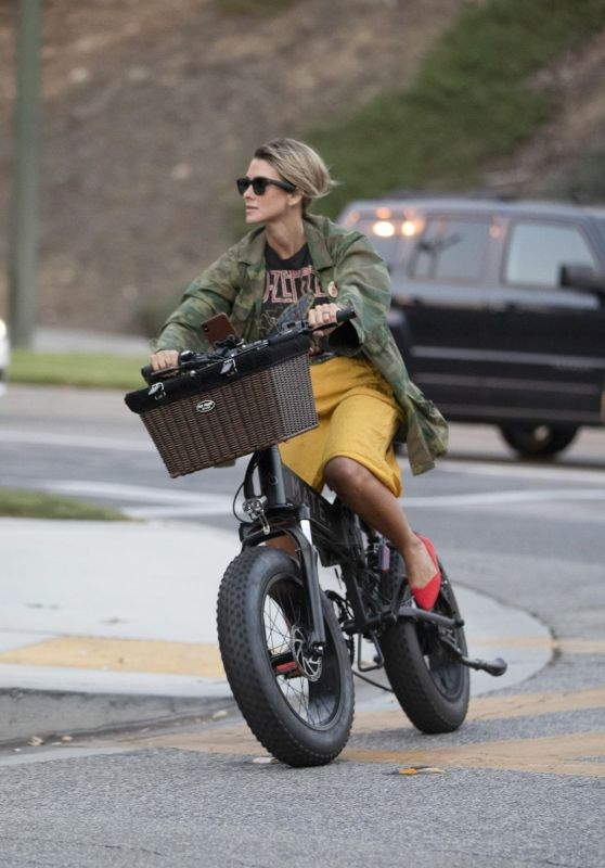 Brittany Furlan - Riding Electric Cycles in Between Traffic in LA 09/27/2020