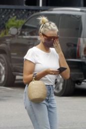 Cameron Diaz in Casual Outfit - Los Angeles 09/14/2020