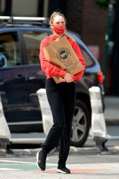 Candice Swanepoel - Grocery Shopping in NYC 09/17/2020