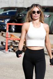 Chloe Sims - Ab Salute Gym in Brentwood 09/01/2020