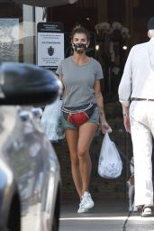 Elisabetta Canalis - Grocery Shopping at Bristol Farms in Beverly Hills 09/04/2020