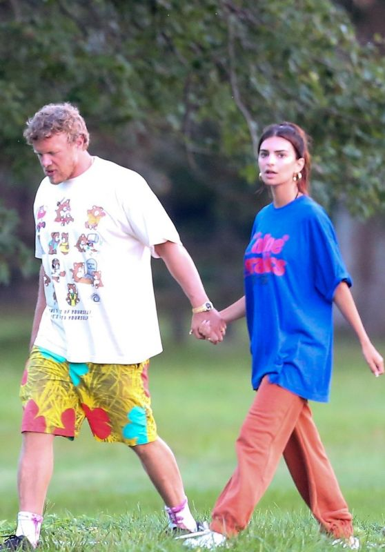 Emily Ratajkowski With Her Husband in the Hamptons, NY 09/08/2020