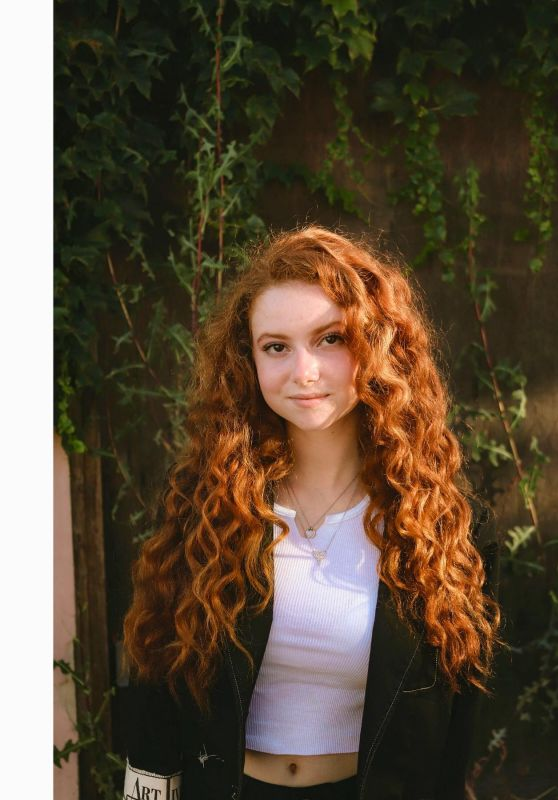Francesca Capaldi - Social Media Photos 09/02/2020