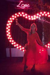 Hayley McQueen - Social Media Photos 09/01/2020