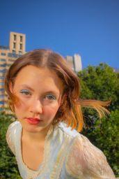 Iris Apatow - Social Media Photos 09/30/2020