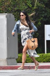Jordana Brewster at California Pizza Kitchen in Santa Monica 09/15/2020