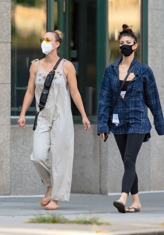 Kaley Cuoco and Briana Cuoco - Out in New York 09/06/2020