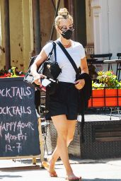 Kaley Cuoco - Out in NYC 08/30/2020