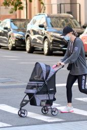 Kaley Cuoco With Her Actress Sister Briana in New York 09/19/2020