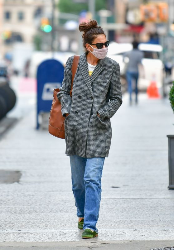Katie Holmes - Out in New York 09/16/2020