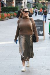 Kelly Brook - Arriving at Global Radio Studios in London 09/10/2020