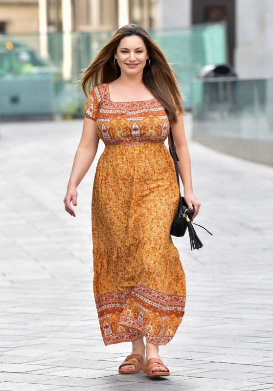 Kelly Brook Arriving at the Global Radio Studios - London 09/15/2020