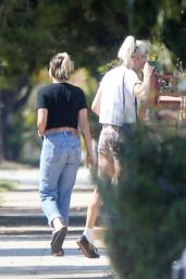 Kristen Stewart - Out in Los Feliz 09/06/2020