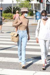 Laeticia Hallyday Street Style 09/24/2020