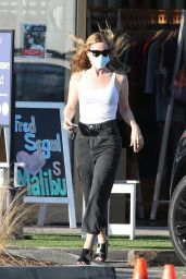 Leslie Mann - Out in Malibu 09/22/2020