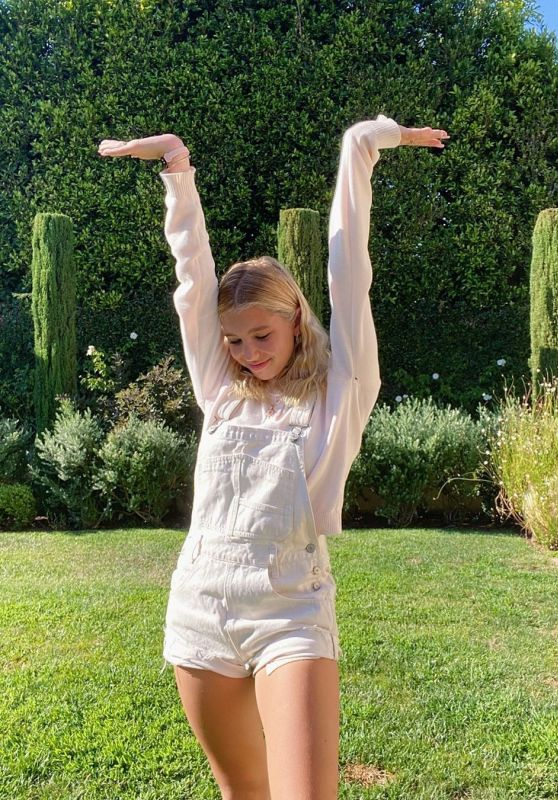 Lilia Buckingham – Social Media Photos 09/04/2020
