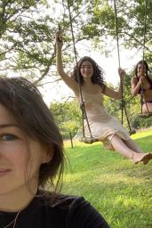Lorde - Social Media Photos 09/01/2020