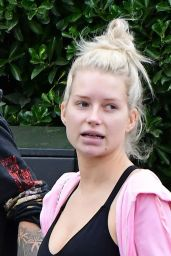 Lottie Moss Makeup-Free - North London 09/09/2020