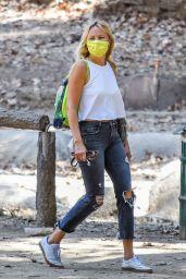 Malin Akerman - Out in Los Feliz 09/02/2020