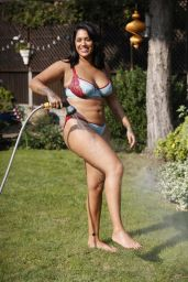 Malin Andersson - Enjoys Cooling Off With a Hosepipe 09/15/2020