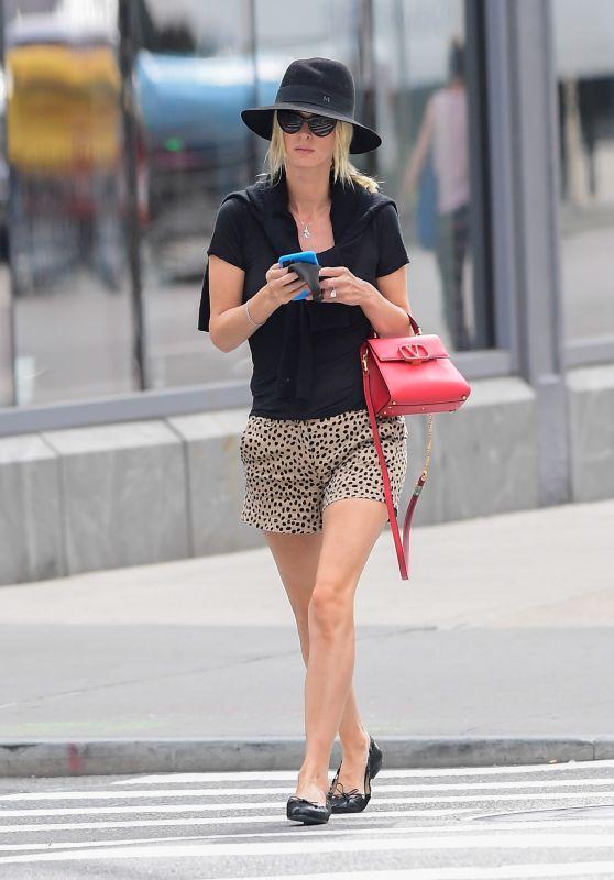 Nicky Hilton - Stroll in NYC 09/27/2020