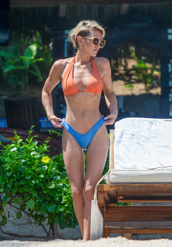 Nicky Whelan in a Bikini - Beach in Mexico 08/31/2020