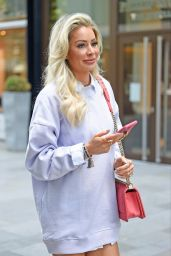 Olivia Attwood - Filming for Her New Show Olivia Meets Her Match in Manchester 09/01/2020
