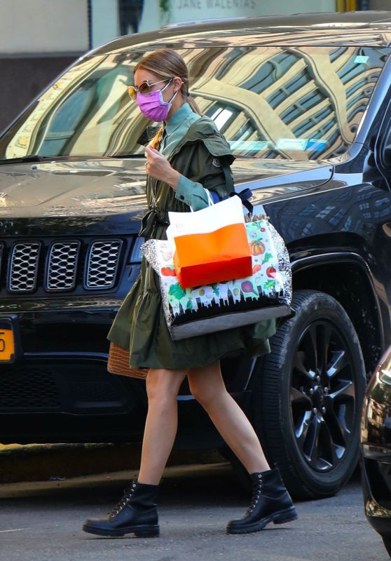 Olivia Palermo - Out in New York City 09/22/2020