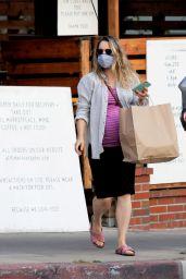 Rachel McAdams Shows Off Herr Growing Baby Bump - Los Angeles 09/17/2020