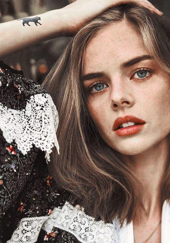 Samara Weaving - Vogue Australia September 2020 Issue