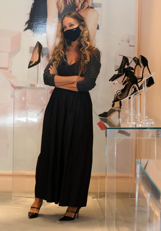 "Sarah Jessica Parker at the ""SJP By Sarah Jessica Parker"" Store in Manhattan 09/22/2020"