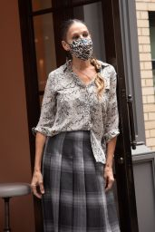 Sarah Jessica Parker - Visits SJP Collection Shoe Store in NY 09/29/2020