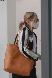 Sarah Michelle Gellar - Arrives at a Pilates Studio in Brentwood 09/15/2020