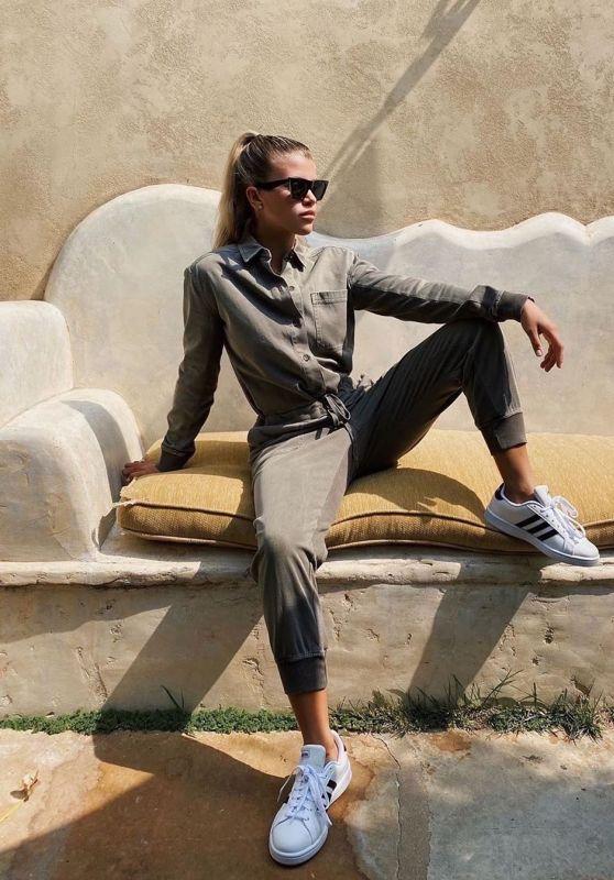 Sofia Richie Outfit - Instagram 09/17/2020