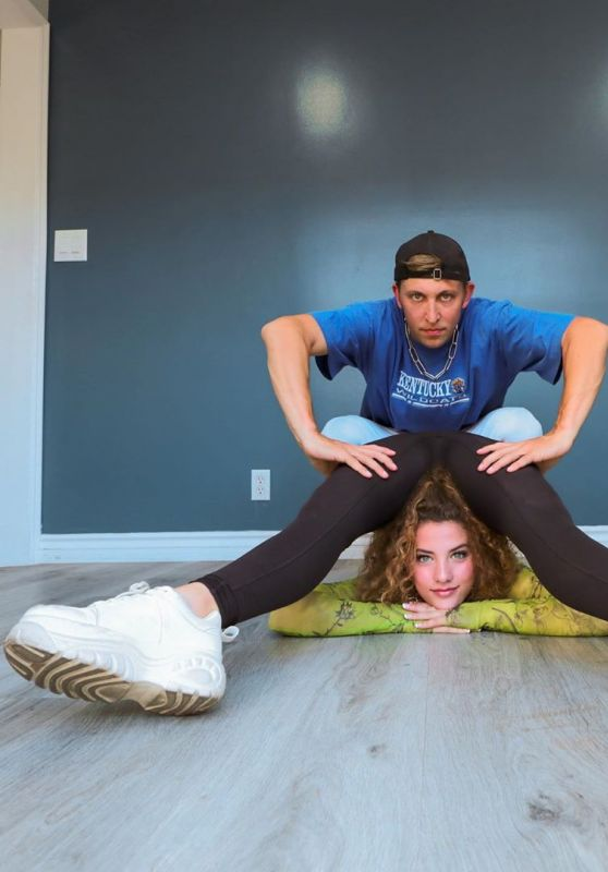 Sofie Dossi and Matt Steffanina - Contortion Dance Challenge July 2020