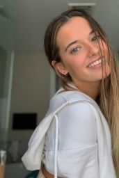 Taya Brooks - Social Media Photos and Video 09/02/2020