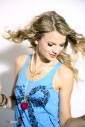 Taylor Swift - Sugar Magazine Photoshoot 2010