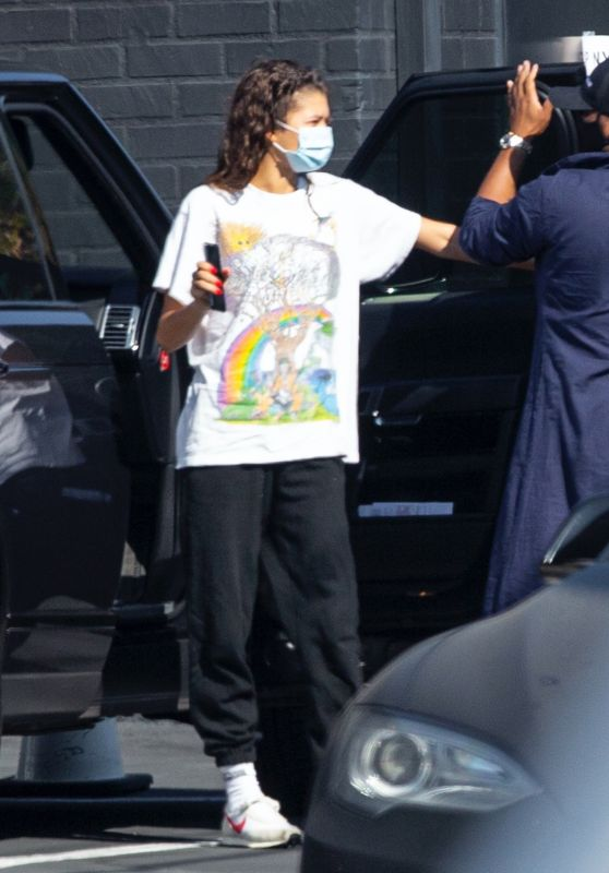 Zendaya in Casual Outfit - Arrives at a Studio in LA 09/24/2020