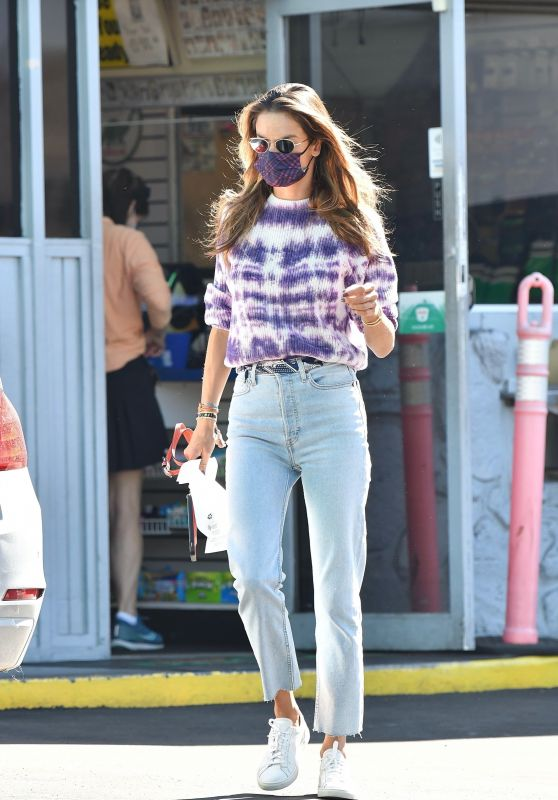 Alessandra Ambrosio at a Gas Station in Brentwood 10/29/2020