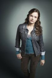 Allison Miller - Terra Nova Promoshoot 2011