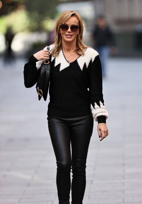 Amanda Holden in a Low-Key Sweater and Leather-Look Leggings - London 10/07/2020