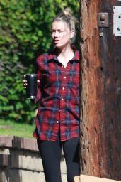 Amber Heard - Outside Her Home in LA 10/26/2020