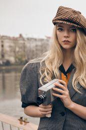 Anya Taylor-Joy - Netflix Queue October 2020