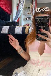 Bella Thorne - Social Media Photos 10/04/2020