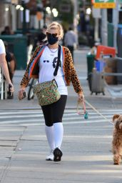 Busy Philipps - Walking Her Dog in NYC 10/05/2020
